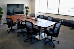 Tips For Selecting The Best Conference Tables