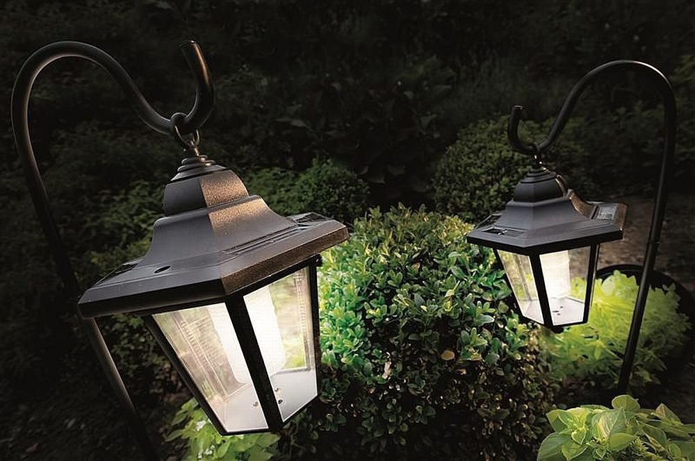 Adding Solar Lighting To Your Garden & Adding Solar Lighting To Your Garden - Susan Philmar